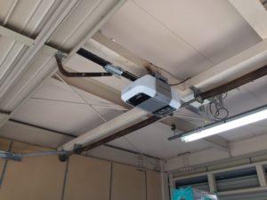 オーバースライダー 開閉機交換 修理 オーバースライディングドア1