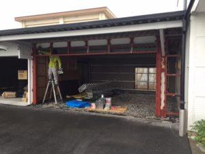 愛知県津島市 モートW 文化シャッター 取付 鉄骨下地 塗装