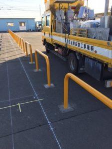 愛知県弥富市 駐車場 サンポール社 アーチ スチール製 追突防止