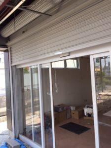 愛知県海部郡蟹江町 店舗用電動シャッター取替工事1